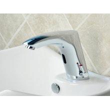Torneira de lavatório de sensor de tipo vertical