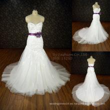 2016 Elegante vestido de novia vestido de novia sin mangas nuevo vestido nupcial último diseñador vestido de novia backless flor púrpura satén cinta