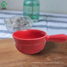 Pequeña variedad del estilo de los tazones de fuente de cerámica del platillo del color