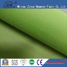Tela verde no tejida del 100% PP para los bolsos de compras / los bolsos de los regalos