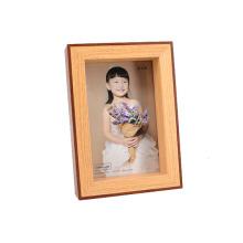Frame de madeira da foto do vintage para o presente