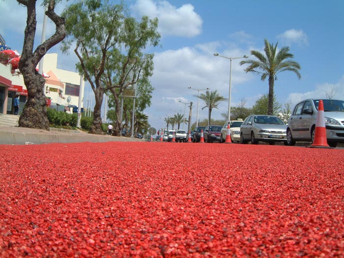 Permeable pavement material construction