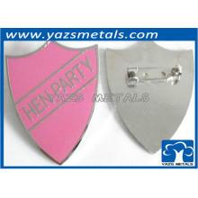 Розовое сердце образный штырь эмблемы для партии