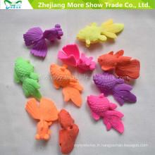 L'éducation magique en plastique se développe dans les jouets de poissons d'eau