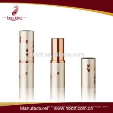 Tubo de lápiz de labios blanco y diseño personalizado de envases de tubo de lápiz labial LI18-12