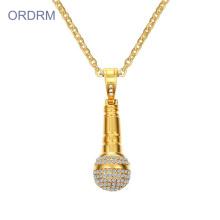 Collier pendentif en or avec microphone en cristal pour hip hop