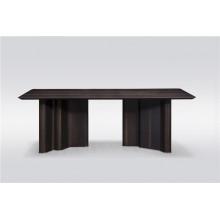 Обеденный стол на 8-10 мест