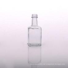 Große transparente Glasdiffusorflasche