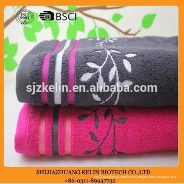 dunkle Farbe Baumwolle exquisite Stickerei Geschenk Handtuch-Set