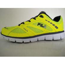 Zapatos deportivos fluorescentes amarillos de los hombres