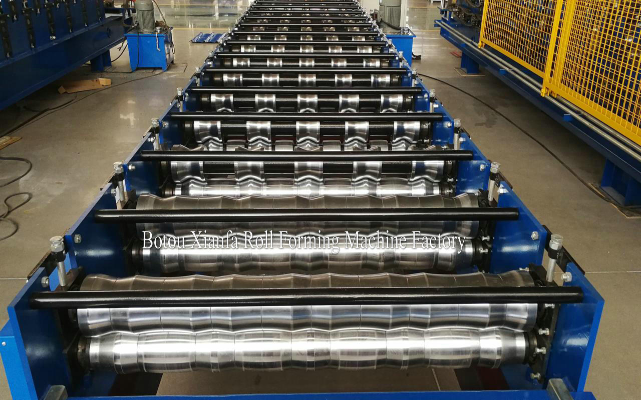 Gi steel panel roll forming machine