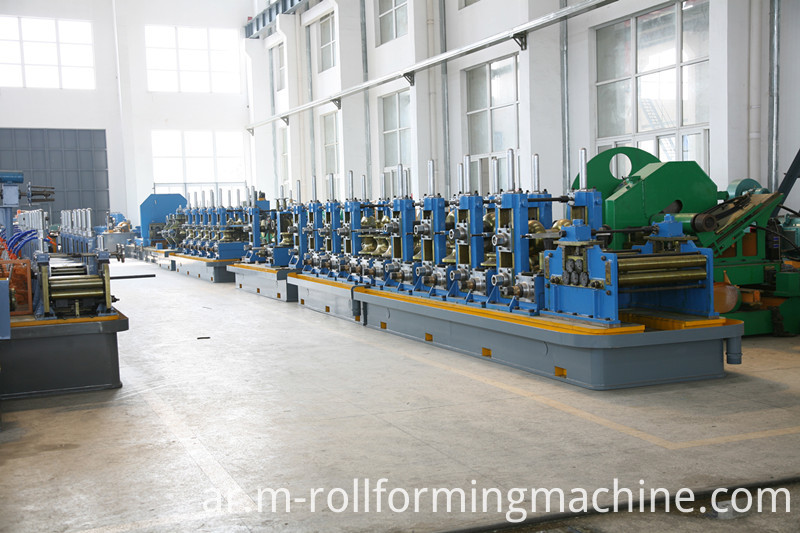 Square roll pipe forming machine