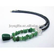 Collier de perle d'aventurine verte avec des perles rondes en hématite