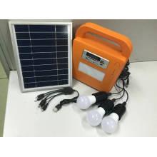 Système solaire de kits d'éclairage de LED avec la radio de FM et le joueur de carte d'écart-type