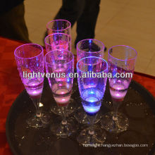 China Manufactuer Battery Operated LED Plastic Glass