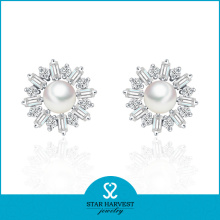 Flower Shape Rhodium Plated Shell Earring