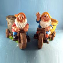 Polyresin Gnome Decoration Riding Bike Dwarf Flowerpot for Garden