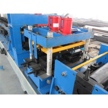 CZ wechselbare Pfetten-Rollformmaschine mit Lagerstahlrolle