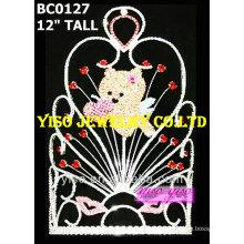 Corona de la tiara de la tarjeta del día de San Valentín