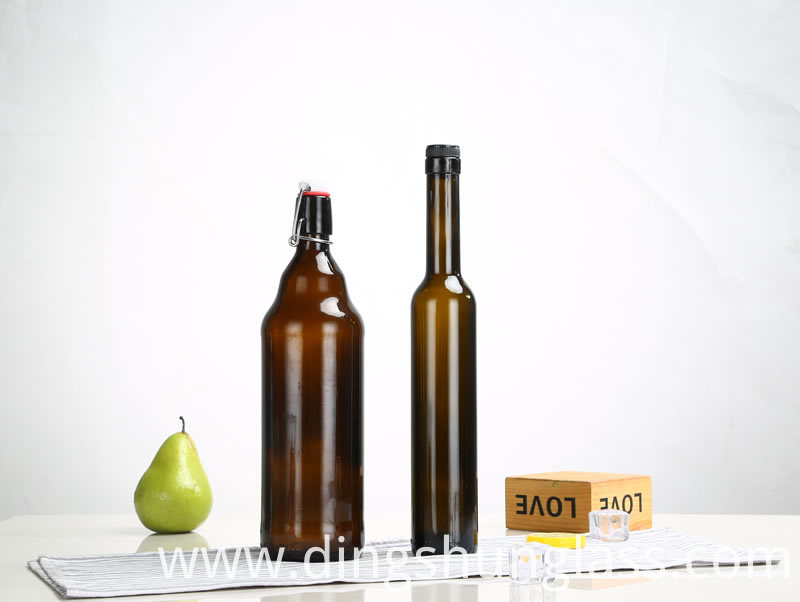 Wholesale of red wine bottles