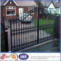 Portões de ferro ornamentais bonitos em estilo de design conciso