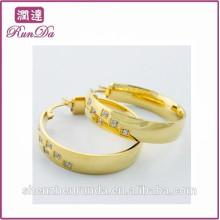 Alibaba nova chegada brincos de diamante de ouro projeta brincos