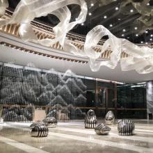 Lustre de aço inoxidável dourado para decoração de interiores de shopping