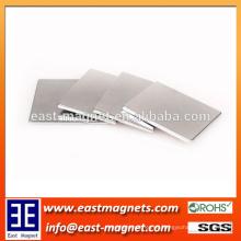 F1 '' x1 '' x0.5 '' N52 Neodimio sinterizado forma de bloque pequeño Magnet / forma de hoja neodimio imán