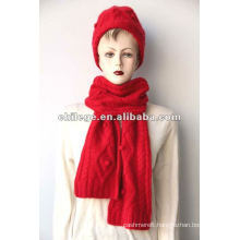 100% wooled scarf and hat