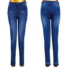 Mulheres lavagem Jeans com Scratch