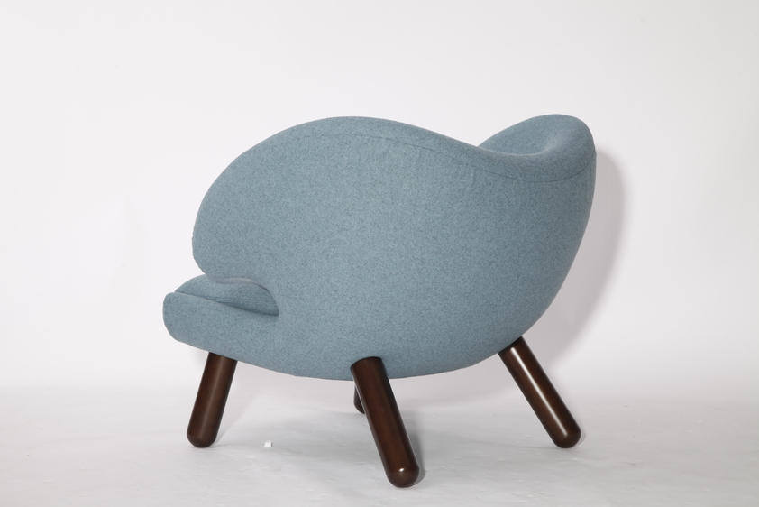 Replica Leather Finn Juhl Pelican Chair