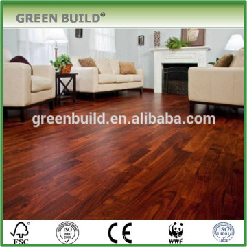 Гладкая поверхность красного твердого teak деревянные полы