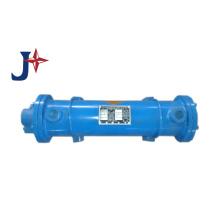 Intercambiador de calor de carcasa y tubos para condensador / evaporador y aceite a agua