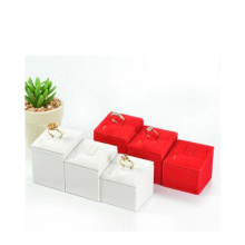 Guangzhou Leather Jewelry Ring Display Factory Wholese (JS009)
