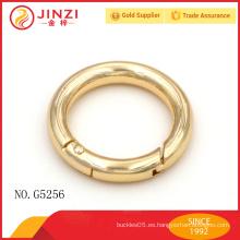 Anillo delicado del metal de la aleación del cinc de oro