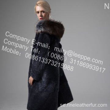 Fur Coat With Mink Flower Lång På Vinter