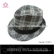Gedruckter Fedora Hut mit schwarzem Band