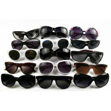 Venda quente plástico óculos de sol baixo preço lote