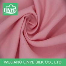Tecido cor-de-rosa fluente para vestido com pregas / maxi vestido