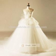 White Lace Elegant Strapless Wedding Dress Ruffe Pompon Wedding Dress