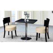 Tables à café et chaises modernes