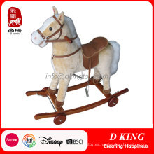Nuevo diseño Rocking Horse de madera con ruedas para niños