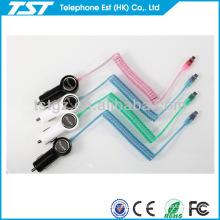 Montaje del cable del cargador del coche para el teléfono micro del Usb