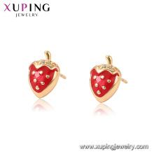 96946 xuping pendientes de fresa chapado en oro de moda para las mujeres