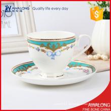 Fino de hueso de China material de café de Europa / taza de café clásico y platillo para 6 personas