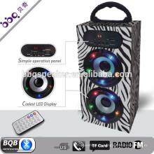 Schwarz weiß führte Mikrofon Partei Förderung Bluetooth tragbare Lautsprecher
