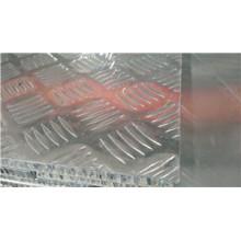 Panel de panal antideslizante para camas de remolque