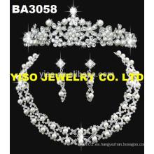 Collar femenino de la joyería de la boda
