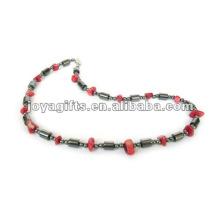 Collier à perles de corallite à l'hématite magnétique