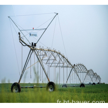Grand système d'irrigation à pivot central